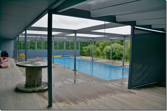 2112 das Haus mit riesigem Pool vor den Wohnräumen ist ein richtiges Bijou