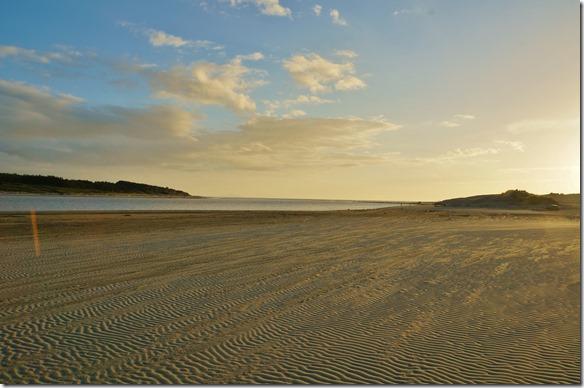 2167 ein Spaziergang der Beach entlang in der Abendsonne