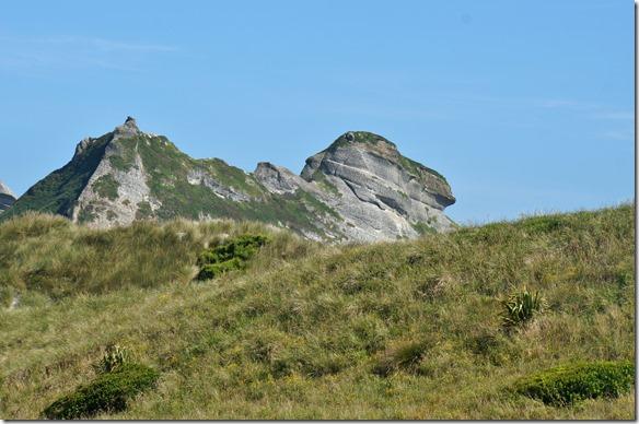 2207 diese Felsformation sieht wie ein liegendes Kamel aus, es felht eigentlich nur ein richtiger Höcker
