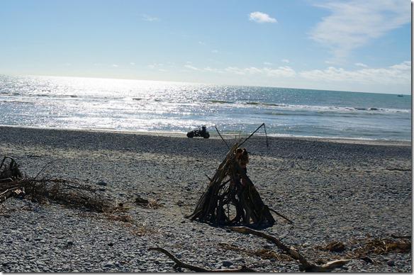2236 nach der Reparatur gibt es einen Abendspaziergang auf der nahegelegenen Beach
