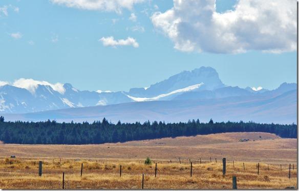 2332 dies ist vermutlich der Mt. Cook = der Höchst Berg Neuseelands