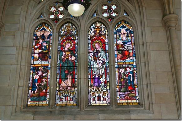 2409 ein Kirchenfenster der St. Paul's Kathedrale von Dunedin