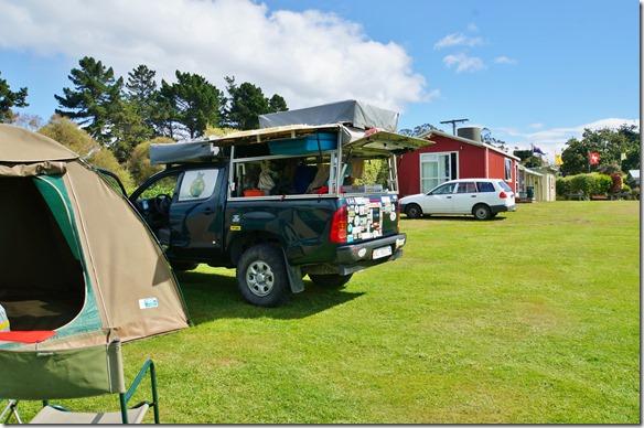 2419 auf dem Kiwi Campingplatz in Hampden bei den Moeraki Boulders (ich war mit Cedric schon hier = Platzwart ein Basler)