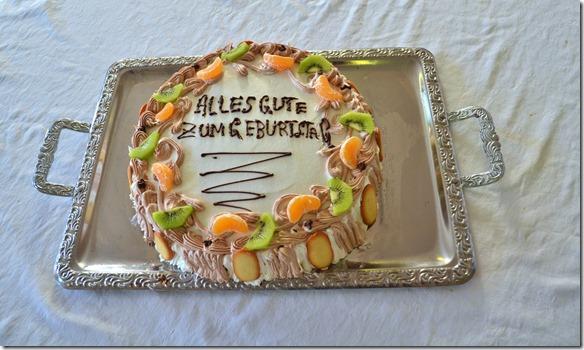 a1113 Geburtstagstortenüberaschung für Gaby gemacht vom Schiffskoch = sehr schönund gut