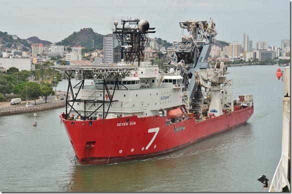 a1605 ein Spezialschiff das Kabel auf den Meeresgrund verlegt