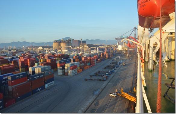 a1705 um ca. 23.00 Uhr sind wir in den Hafen von Paranagua eingelaufen. Wir waren schon im Bett und haben geschlafen