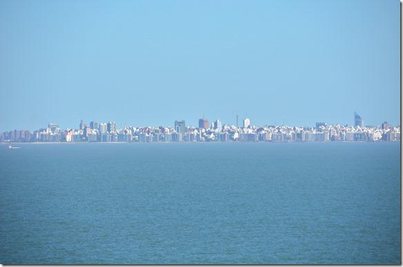 a1716 Montevideo unser Bestimmungshafen, aber zurest müssen wir noch weiter in den Rio del Plata nach Zarate fahren um dort Ladung zu löschen