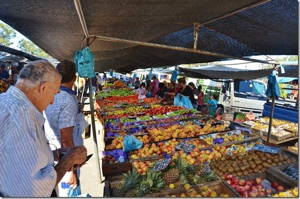 a1841-der-Samstagsmarkt-in-Piriapoli[1]