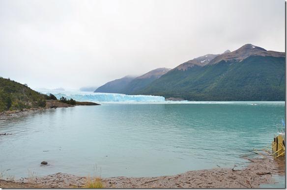 a2119 wir werden event. ein Schauspiel der besonderen Art erleben können -- ein Teil des Gletschers sollte zusammenfallen und dies geschieht nur sehr selten