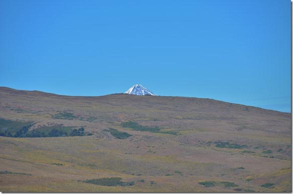a2263 auf dem Rückweg. Wir sind nicht ganz hingefahren, denn Berge sind immer schöner zu betrachten von unten oder Ferne, denn wenn man draufsteht sieht man ihn nicht
