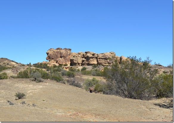 a2352 im Valle de Luna (Mondtal) gibt es viele bizarre Steinsformationen in unbeschreiblich schönen Farben