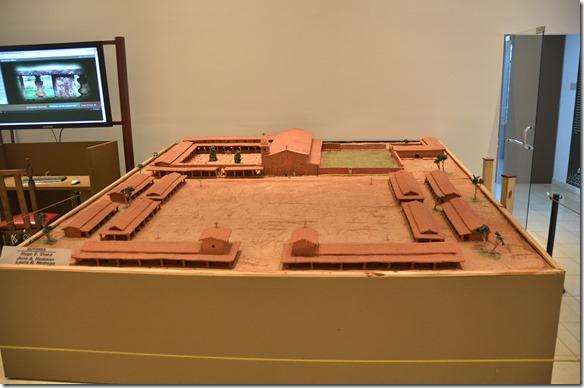 a2485 die Jesuitenmission als Model so wie sie vor der Zerstörung im 18.jh ausgesehen hat. Dies ist jejoch nur der Kernteil