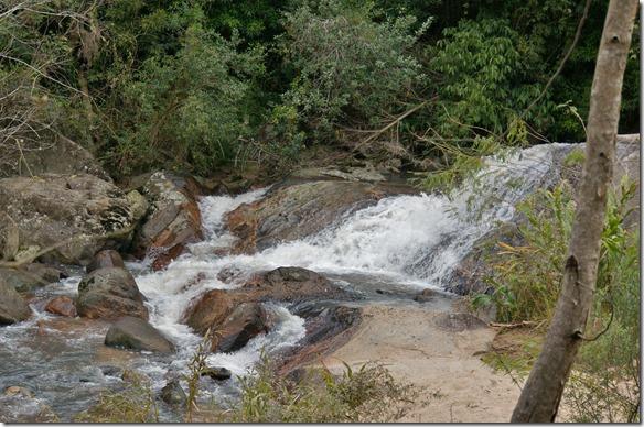 b1041 Pousada do Moinho Camping hat einen kleinen Fluss mit 7 Fällen und den dazugehörigen Pools zum Schwimmen (war zu kalt) - Kopie