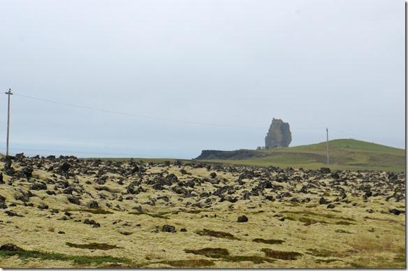 1724 keine Hinkelsteine von Obelix sondern irgendwelche Brocken die zu den Lavaströmen des Snaefellsjökull gehören